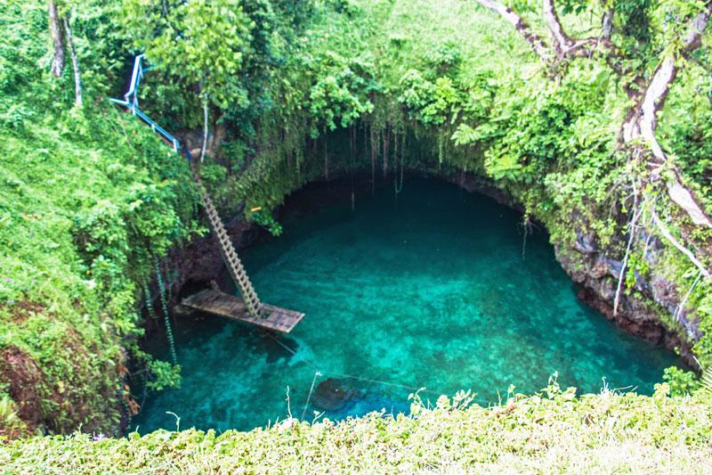 To-Sua Ocean Trench - Samoa