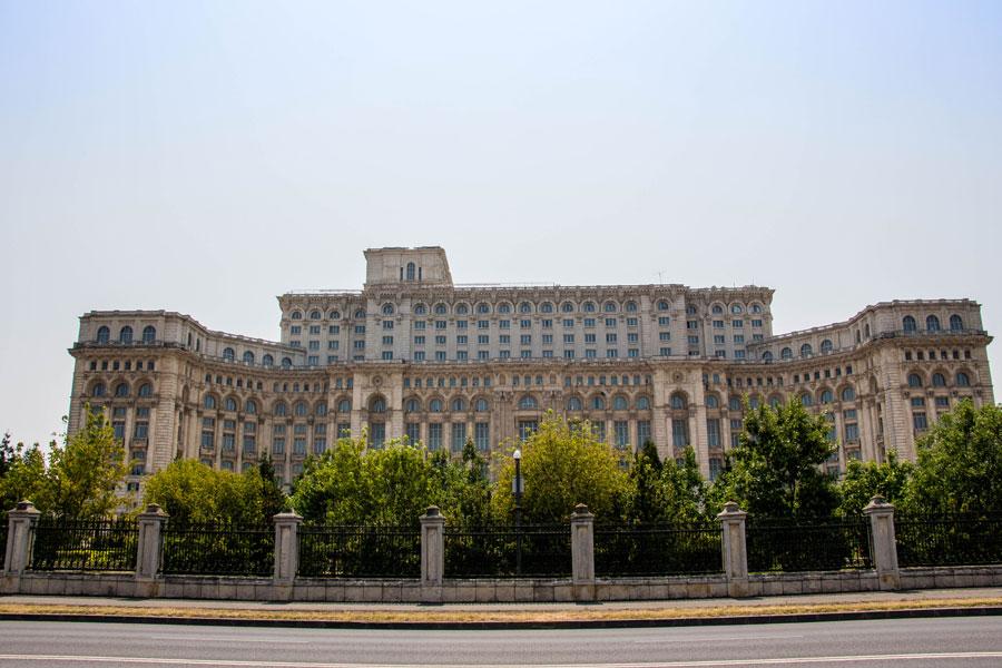 Parlamentsgebäude - Bukarest - Rumänien - Ipackedmybackpack.de Reiseblog